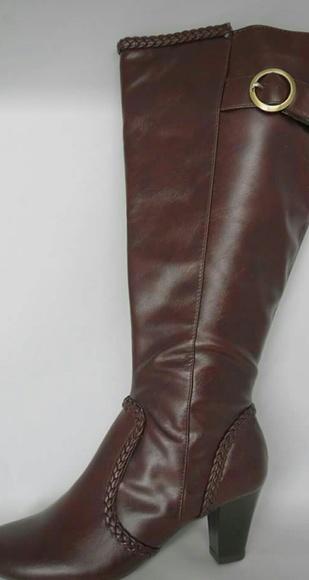 e9360bb08914 Lifestride Wide Calf Knee hi Boots 5.5 M